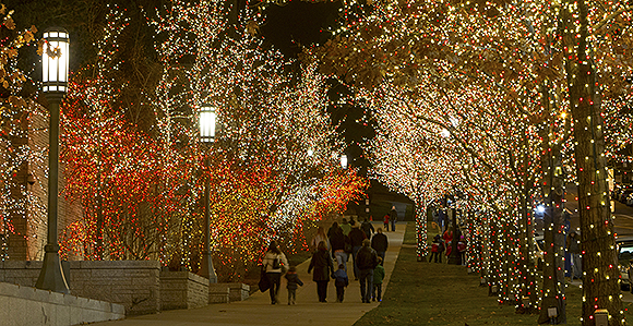 580-lights on temple square-1403456
