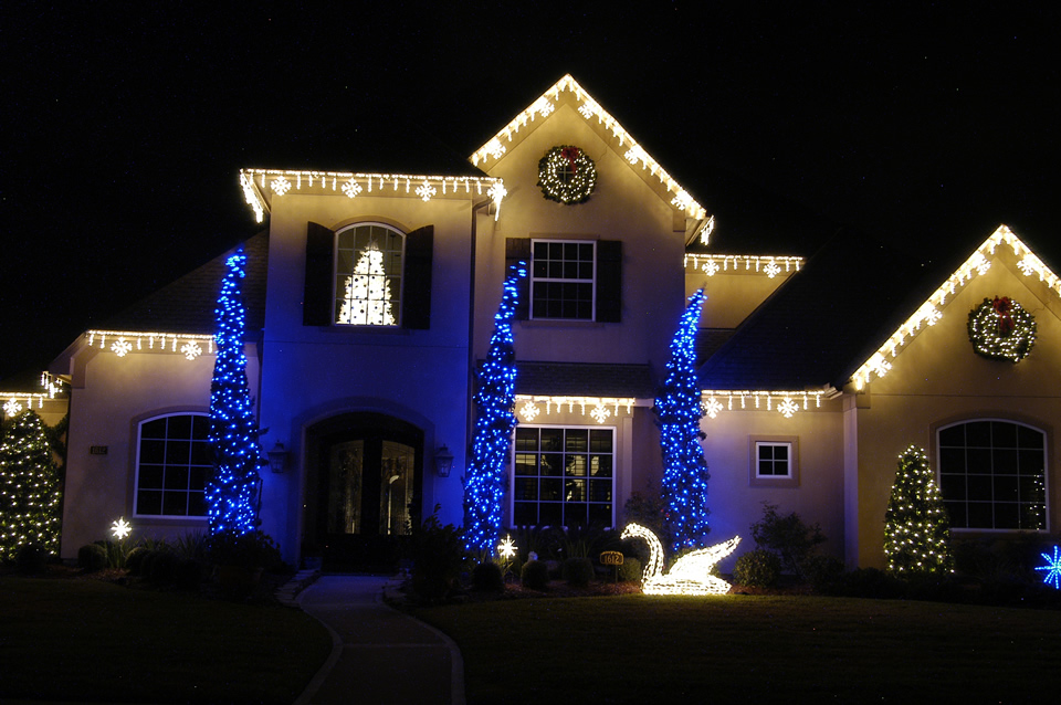 Ice Flurry Light Links and 3D Swan and Blue LED