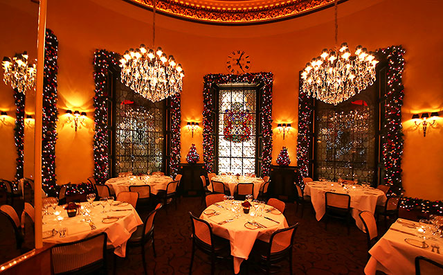0_buildings_-_dome_christmas_2013_windows_and_tables_144990