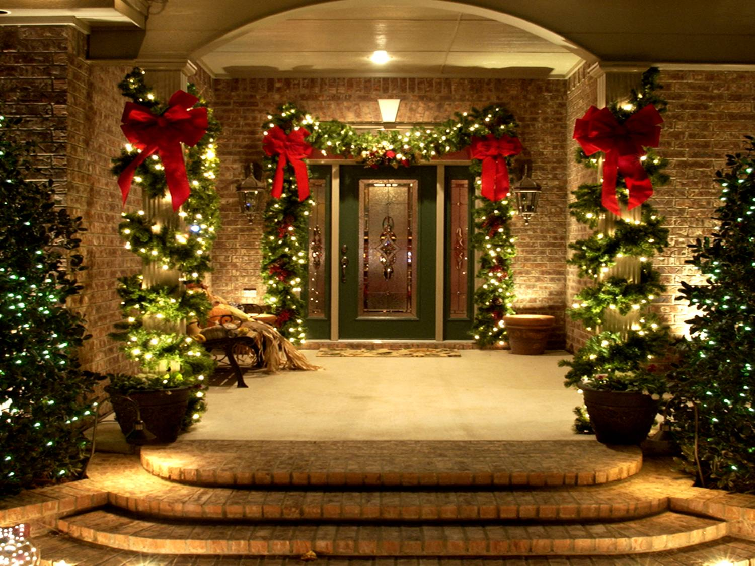 christmas-decorating-office-entrance