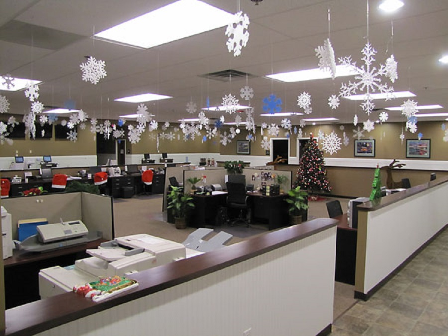 Christmas Decorations Office. Christmas Decorations Office I