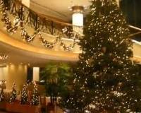 Christmas_Decoration_at_Luxury_Hotel_in_Hong_Kong-76133_200x200