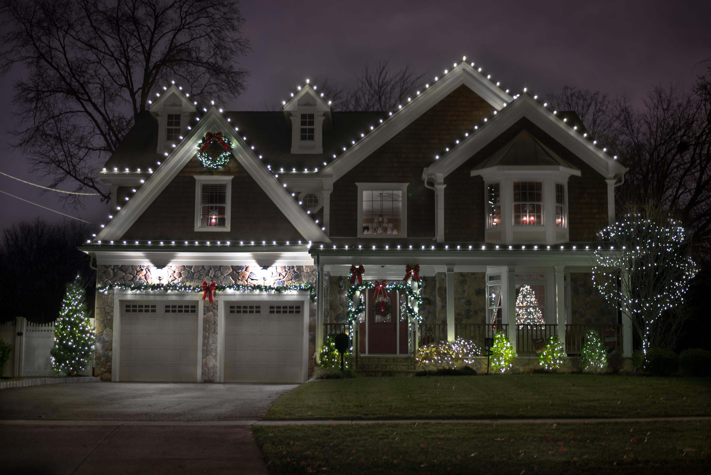 Best Christmas Light Installation Queens NY