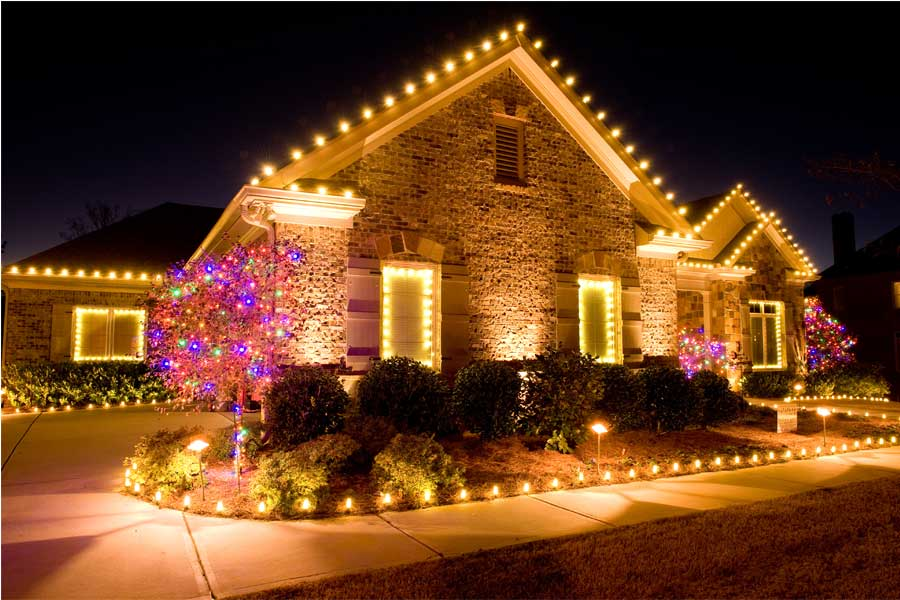 alternative earthcare shares 3 traditional holiday display ideas for outdoor design planning - Christmas Light Display Ideas